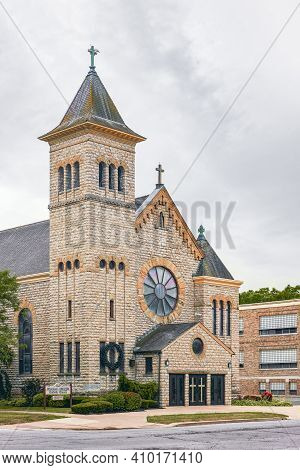 Port Clinton, Ohio, Usa - 07.31.2018 - Exterior View Of Immaculate Conception Catholic Church