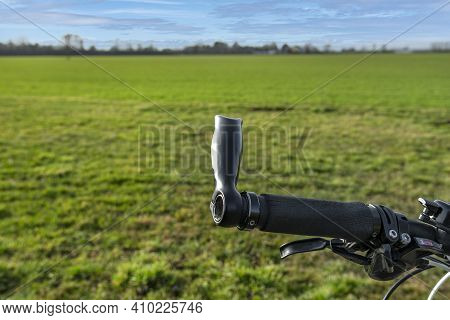 Mountain Bike Handlebar With Manual Brake Lever, Derailleur Lever And With Horns.