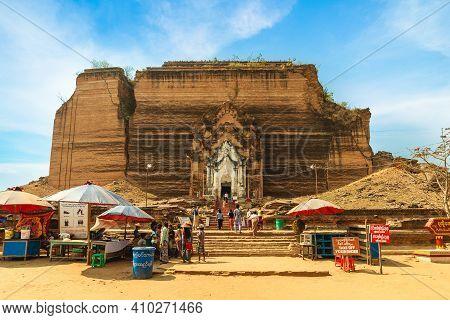 February 10, 2016: Mingun Pahtodawgyi Pagoda, An Incomplete Monument Stupa In Mingun, Myanmar, Burma