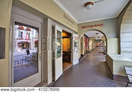 Bern, Switzerland - Aug 23, 2020: Einstein House Museum Under The Gallery Of Kramgasse Street Of Ber