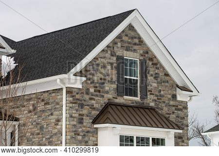 New House Finished With Stone Tiles Block Decor Wall Style