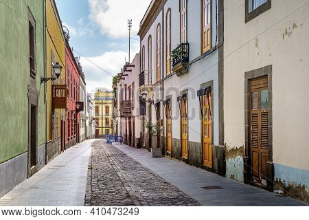 Street With Old, Picturesque And Charming Houses In Bright Colors In The City Of Las Palmas De Gran