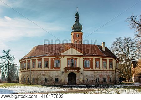 Libechov, Old Abandoned Baroque Castle In Central Bohemia, Czech Republic.romantic Building With Bal