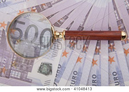 Five Hundred Euro And Loop