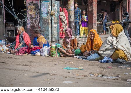 Jaipur, India. 09-05-2018. Women Are Selling Their Products Sitting On The Streets In The Local Mark