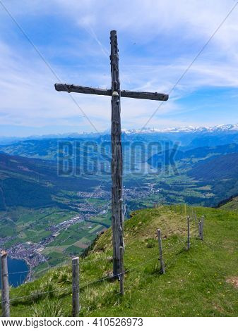 View Of The Swiss Mountain Rigi Into The Swiss Nature, Mountain Cross, Lakes, View, Landscape, Valle