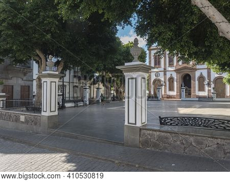Agaete, Gran Canaria, Canary Islands, Spain December 17, 2020: Main Square In Agaete City With Trees