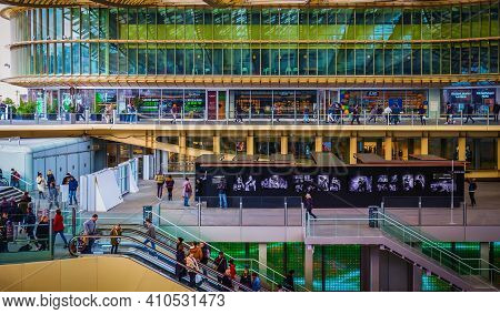 Paris, France, Fev 2020, View Of The Westfield Forum Des Halles With Its Different Levels, Escalator
