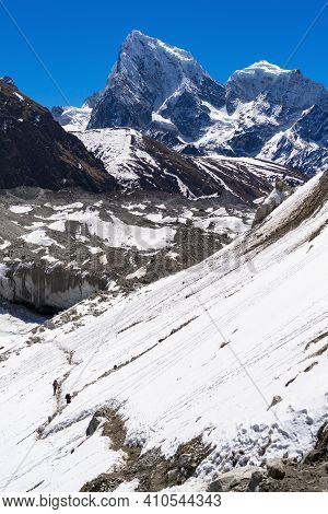 Beautiful Landscape Of Himalayas Mountains. Everest Base Camp Trek. Way From Gokyo To Dragnag.