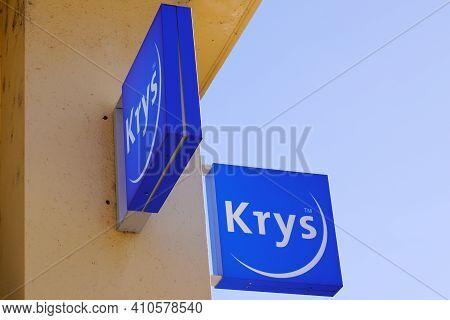Bordeaux , Aquitaine France - 02 25 2021 : Krys Optic Logo Brand Blue With Text Sign On Optic Shop G