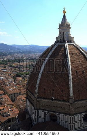Firenze, Italy - April 21, 2017: The Duomo And  Brunelleschi Cupola In Florence, Firenze, Tuscany, I