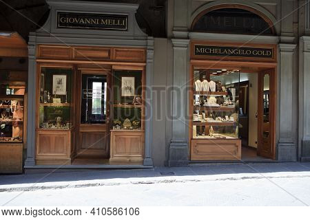 Firenze, Italy - April 21, 2017: Window Shop Jewelry Selections On The Ponte Vecchio Bridge, Florenc