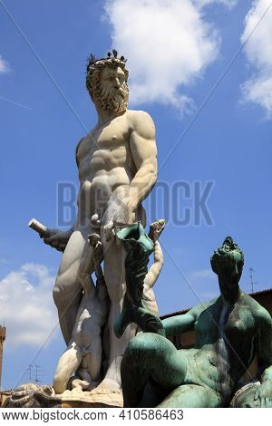 Firenze, Italy - April 21, 2017: Fountain Of Neptun By Bartolomeo Ammanati, Piazza Della Signoria, F