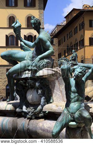Firenze, Italy - April 21, 2017: Fountain Of Neptun By Bartolomeo Ammanati, Piazza Della Signoria, F