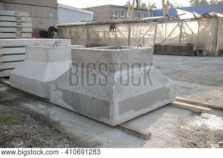 Reinforced Concrete Foundations For Load-bearing Columns, Which Are Used In The Construction Of Indu