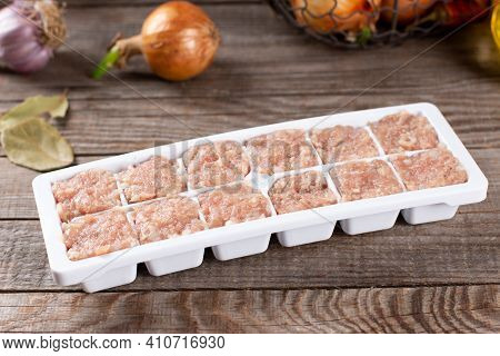 Raw Minced Meat In Ice Cube Tray, Frozen Square Meatballs, Frozen Food
