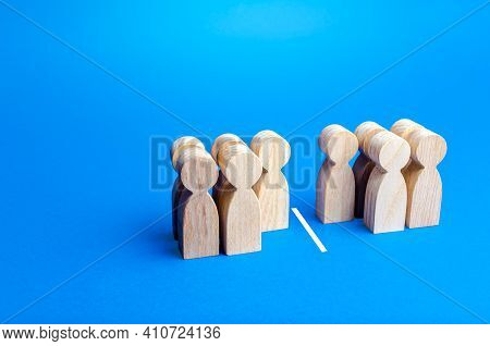 Five Out Of Ten People Separated By A Line. Visualization Of Statistical Data. 50% Of 100%. Half And