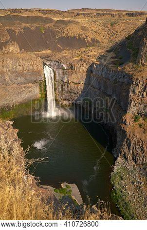 Palouse Falls Washington State Vertical. The Beautiful Palouse Falls In Palouse Falls State Park, Wa