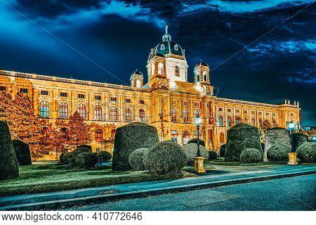 Maria Theresa Square.arts And History Museum Kunsthistorisches Museum Vienna, Austria.