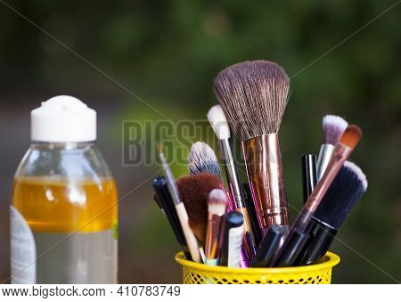 Set For Cosmetic Brushes In The Basket. Blush For Eyeshadow And Various Makeup Brushes In The Shoppi