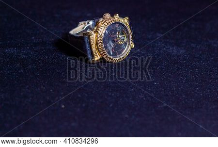 Old Watch, Retro Watch On Dark Blue Background, Watch In The Dark, Golden Watch On Blue