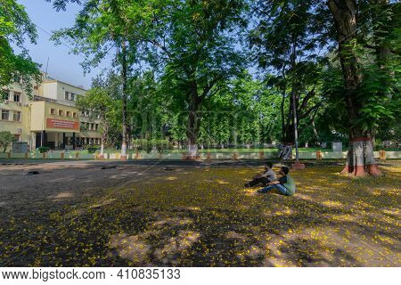 Howrah,west Bengal,india- 21st April 2019 : Students Of Indian Institute Of Engineering Science And