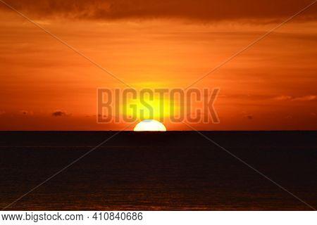 Sunset At The Beach, Tanjung Aru Beach, Kota Kinabalu, Borneo,sabah, Malaysia