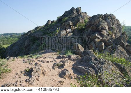 Sharp Stones. Sharp Rocks At The Top Of A Hill In The Nikolaev Region Of Ukraine On A Bright Summer