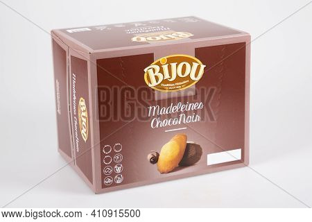 Bordeaux , Aquitaine France - 02 25 2021 : Bijou Logo Sign And Brand Text On Brown Box Of Chocolate