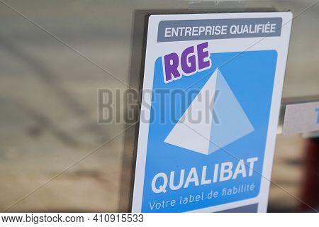 Bordeaux , Aquitaine France - 02 25 2021 : Qualibat Rge Logo Sign Certification Qualification Label
