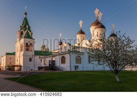 Murom, Spassky Monastery (savior Transfiguration) On A Spring Evening At Sunset. Golden Ring Of Russ