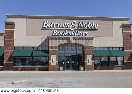 Lafayette - Circa March 2021: Barnes & Noble Retail Location. Barnes & Noble is a leading retailer of content and digital media in the US.
