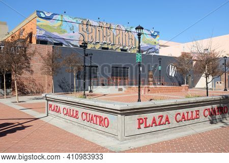 SANTA ANA, CALIFORNIA - 25 FEB 2021: Plaza Calle Cuatro (4th Street Plaza) an urban park at the corner of 4th street and French Street.