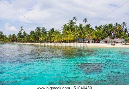 Perfect Native Caribbean Village On Crystal Clear Island. San Blas, Panama. Central America. Latin A