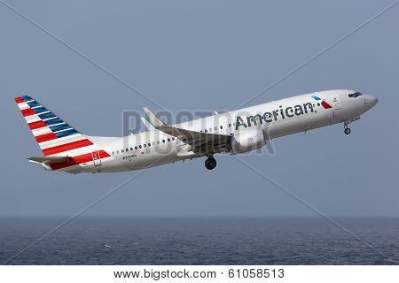 American Airlines Boeing 737-800 In New Livery