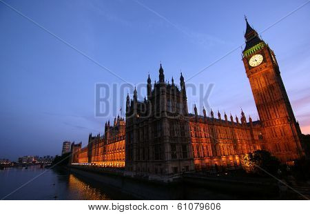 Big Ben And The Houses Of Parliment At Sunset