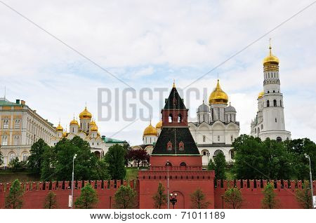 Churches the Moscow Kremlin and Taynitskaya tower Russia poster