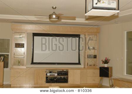 HomeTheater with big screen