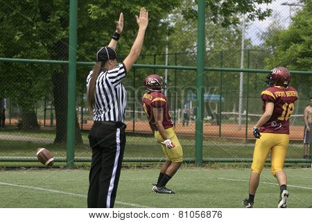 American Football Match Between Wolves And Blue Dragon