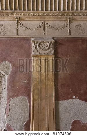 Stabian Thermal Baths Complex, column detail