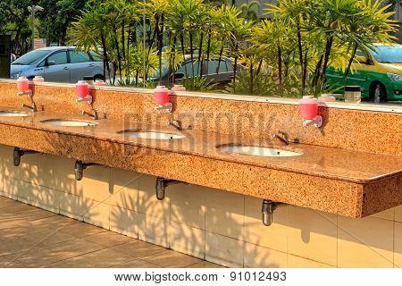 Public Outdoor Washbasin