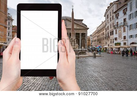 Tourist Photographs Of Pantheon In Rome, Italy