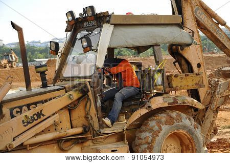 Excavator machine slept in the excavator