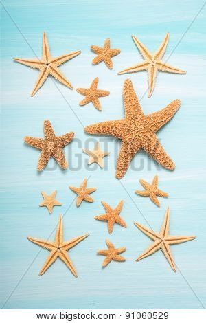 Summertime: Maritime decoration with starfishes.