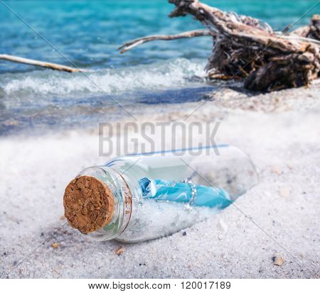 Message In A Bottles, Flotsam