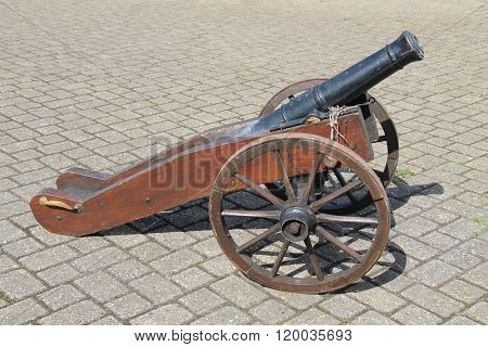 Naval Cannon.