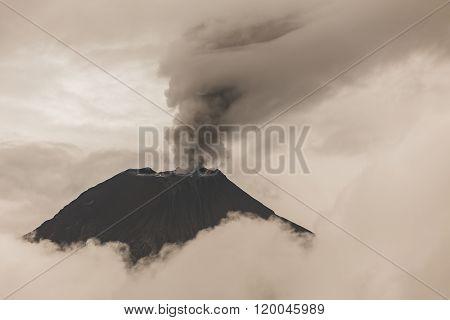 Pyroclastic Powerful Explosion, Tungurahua Volcano.