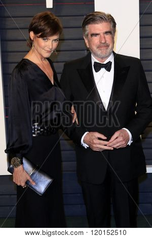 LOS ANGELES - FEB 28:  Carey Lowell, Tom Freston at the 2016 Vanity Fair Oscar Party at the Wallis Annenberg Center for the Performing Arts on February 28, 2016 in Beverly Hills, CA