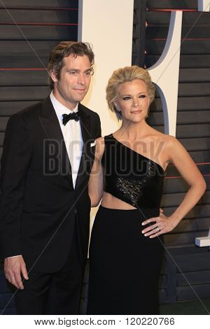 BEVERLY HILLS - FEB 28: Douglas Brunt, Megyn Kelly at the 2016 Vanity Fair Oscar Party on February 28, 2016 in Beverly Hills, California