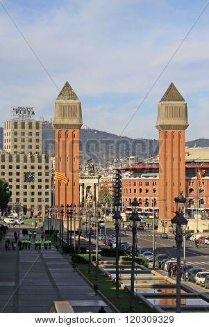 Barcelona - December 13, 2011: Avinguda De La Reina Maria Cristina - Street Leading To Venetian Towe